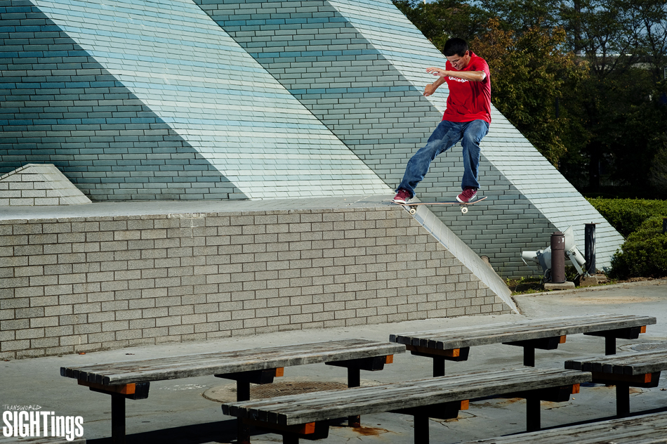 Chico Brenes Tailslide to flat in Japan
