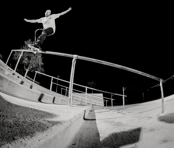 Backside Smith grind. PHOTO / SMITH (*click to enlarge)