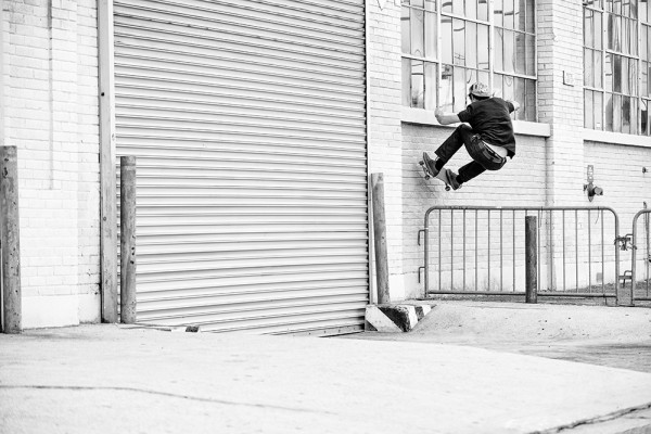 tom_karangelov_ollie_over_bar_to_frontside_wallride
