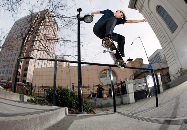 switch_krooked_grind_stevie_perez