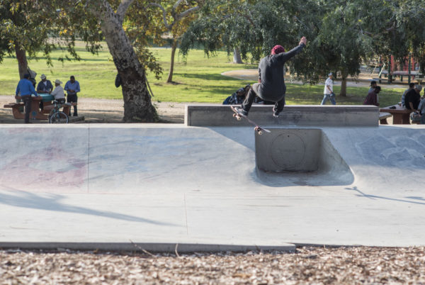 More than 360, less than 540, 100 percent a make. Daewon spins the channel.