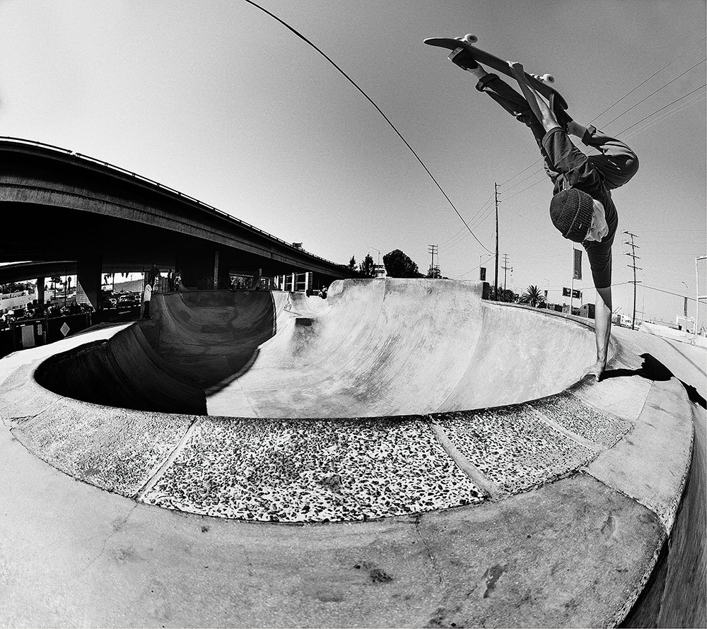 ronnie-sandoval-tweaked-out-frontside-invert