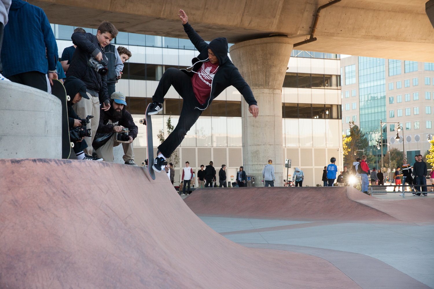 Daewon did all kinds of mind-blowing lip tricks on this thing.