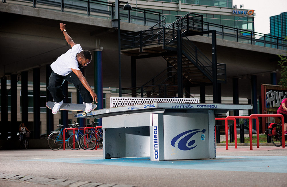 Backside 180 Nosegrind